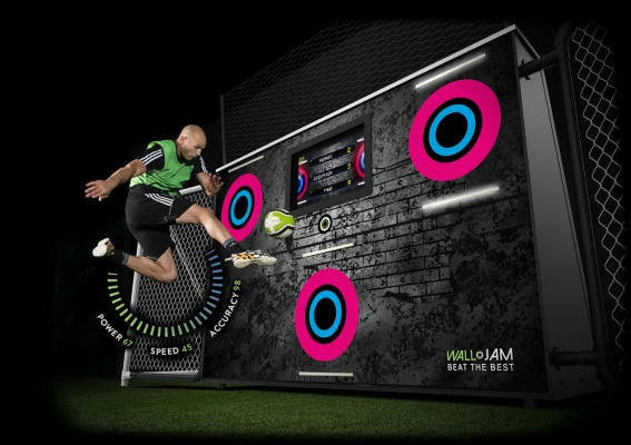 the Walljam ball game training Aid
